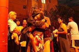 as vítimas do terremoto evacuaram seus prédios