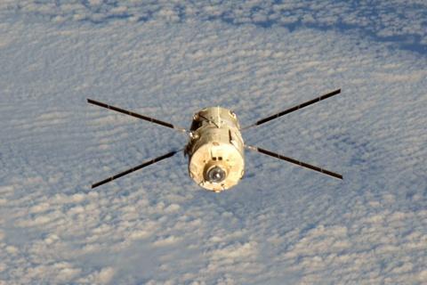 Foto da nave no dia 5 de setembro tirada à partir da Estação Espacial Internacional (clique para ampliar)