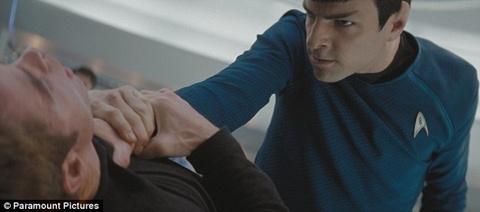 spock ataca kirk