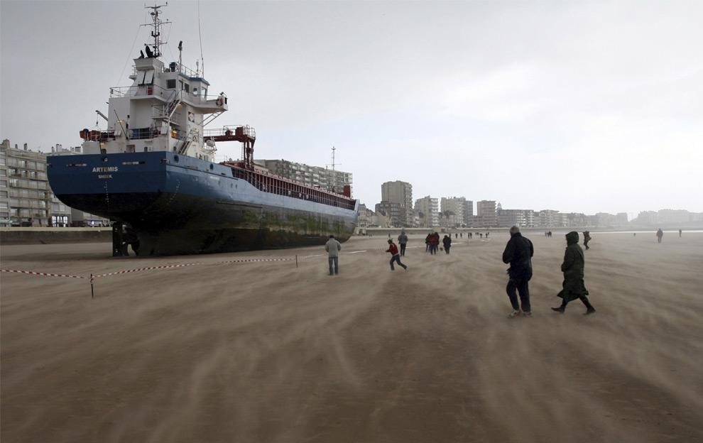 navio na praia
