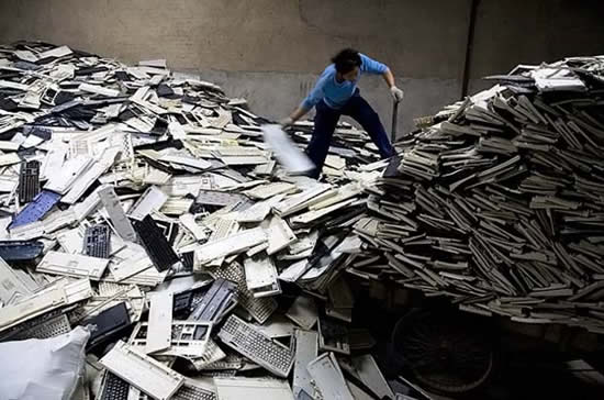 lixo_eletronico_china_montanha_de_lixo