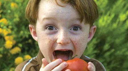 crianca-comendo-g