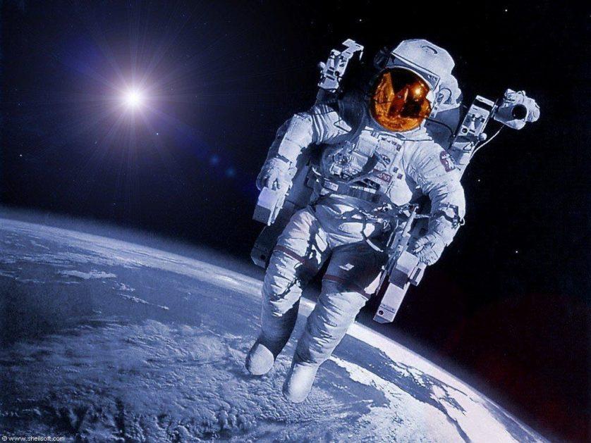 astronauta no espaco