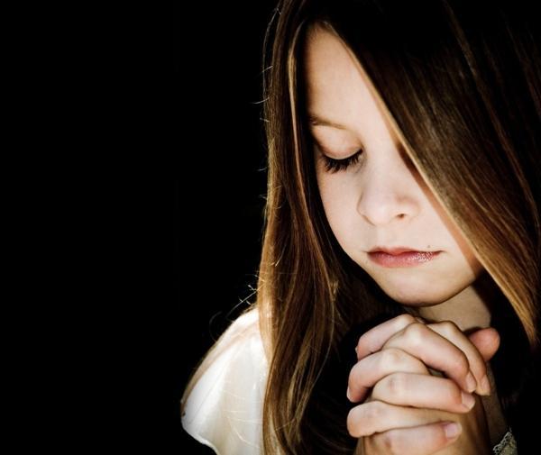 fé menina religião