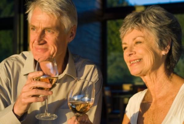 Resultado de imagem para Vinho e idosos?