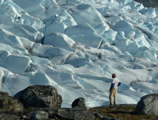 http://hypescience.com/wp-content/uploads/2011/08/greenland-glacier-carlson.jpg