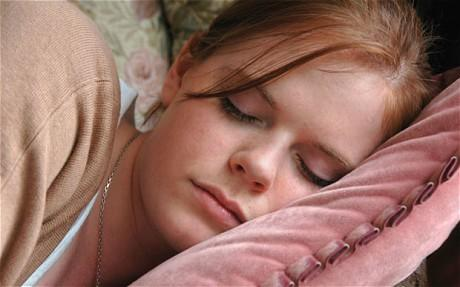 teen-sleep_2003780c