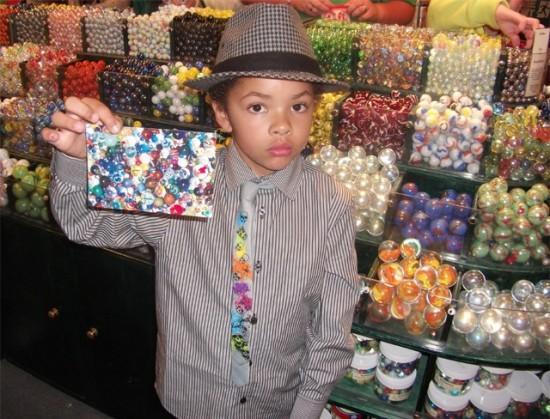 jogo das bolinhas menino milionario vende bolas de gude pela internet