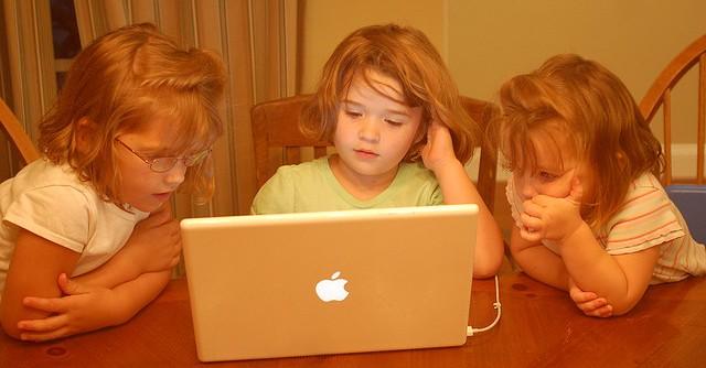 Como manter seus filhos seguros na internet