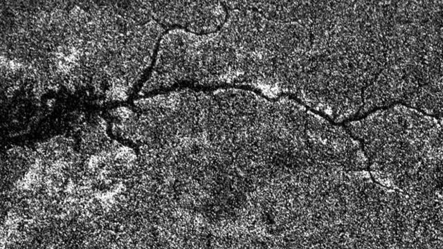 Gigantesco sistema fluvial é encontrado pela primeira vez fora da Terra