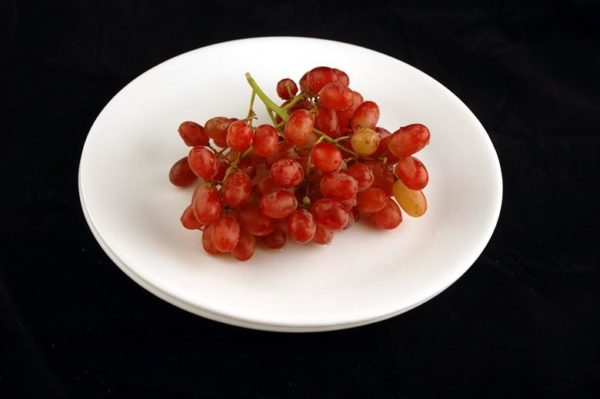 Uva - 290 gramas= 200 calorias