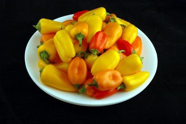 Mini pimentões – 740 gramas = 200 calorias