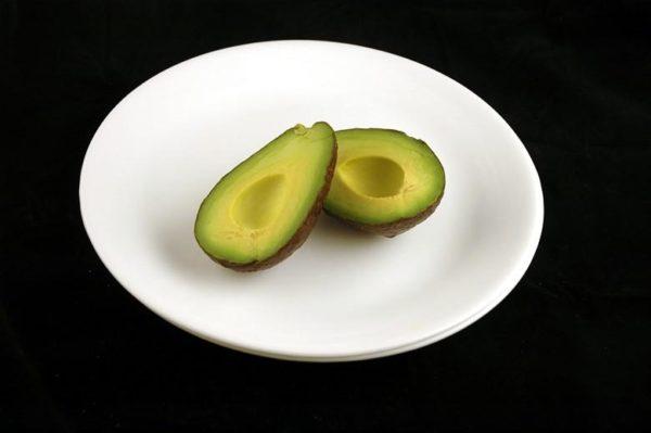 Abacate - 125 gramas= 200 calorias