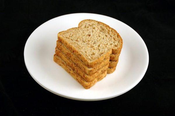 Pão de linho - 90 gramas= 200 calorias