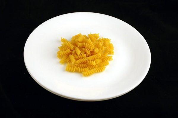Macarrão não cozido – 56 gramas= 200 calorias