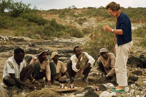 Mary e sua equipe em Garganta de Olduvai