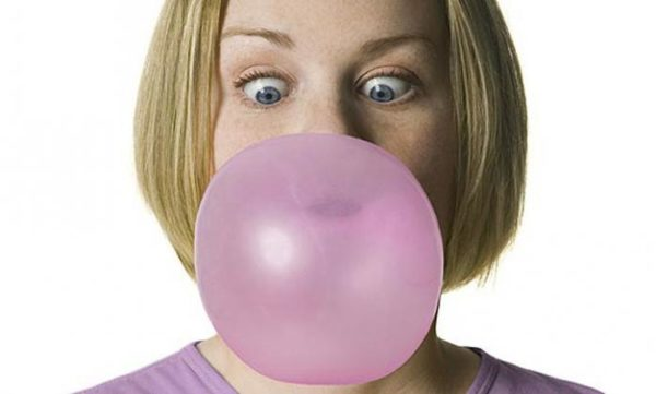 assets-2013_Chewing_gum_good_for_your_brain_520959736