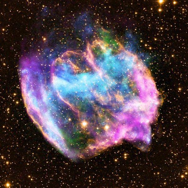 Há evidências de que a explosão desta estrela, W49B, deixou para trás um buraco negro