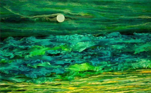 """""""A imagem não é uma foto de pintura, nem de paisagem, nem usei qualquer Photoshop exceto cortes menores, rotação e conversão de RAW para JPEG. São fios de lã pendurados na parede de uma forma incrível, com uma cabeça de prego saindo no meio. Eu tentei criar um sentimento de lua e mar"""" - Aditya Vardhan Tibrewala"""