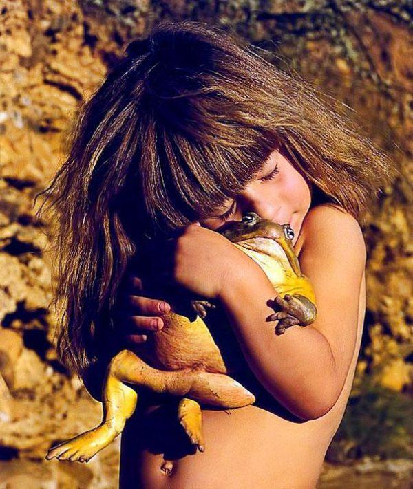 real-life-mowgli-tippi-degre-african-wildlife-11