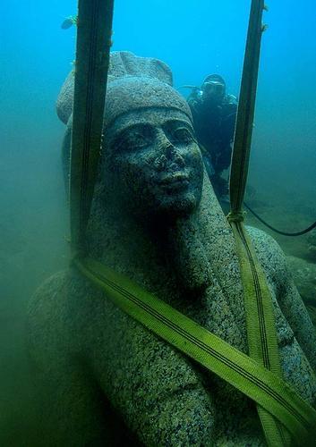 Cidade egípcia engolida pelo mar é redescoberta depois de 1.200 anos: fotos