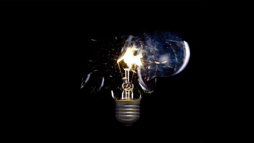 """Como cientistas """"congelaram"""" um feixe de luz por um minuto"""