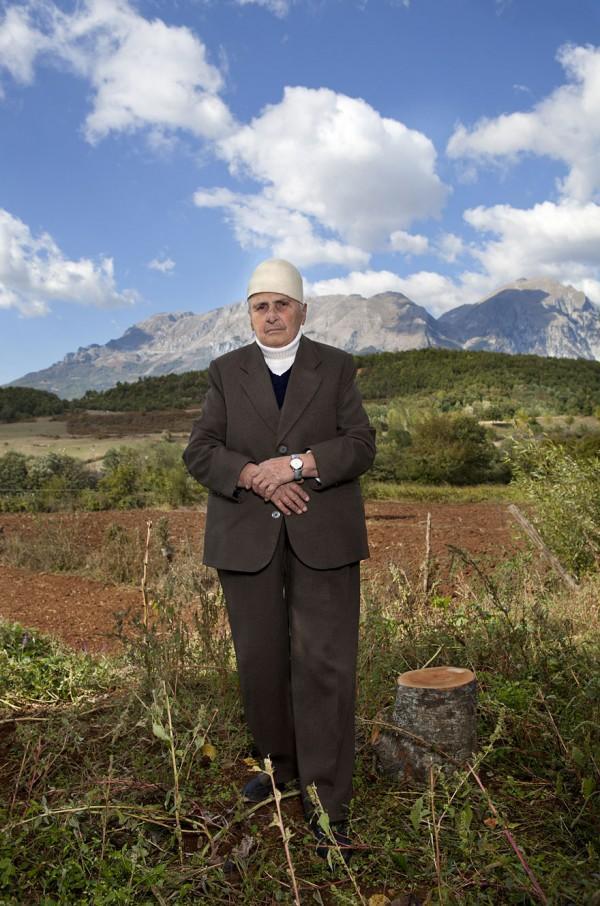 burneshas-albanian-women-who-live-as-men-jill-peters-6
