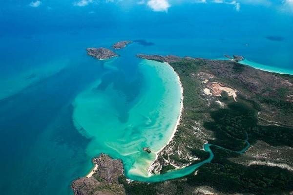 Visão aérea da Península de Cabo York,  o ponto mais setentrional do continente, região do Cabo de Melville