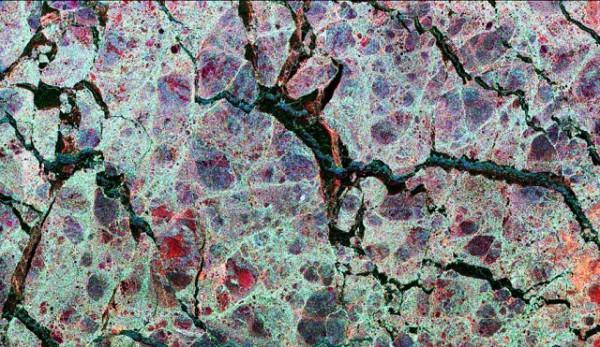 Macro: gelo no mar de Weddell, colorido para mostrar a espessura do gelo
