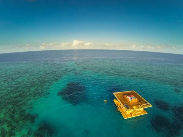 underwater-hotel-the-manta-mikael-genberg-4