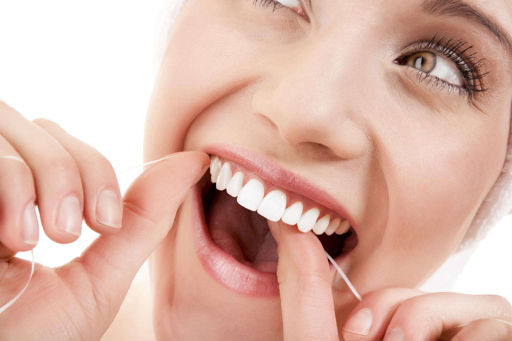 e16f6e717 Passar Fio dental é importante  mito ou realidade