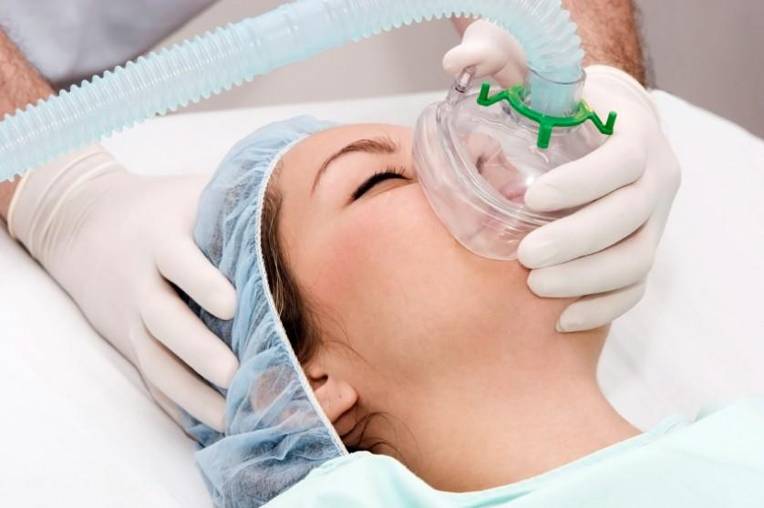 Beautiful patient receives anaesthetic