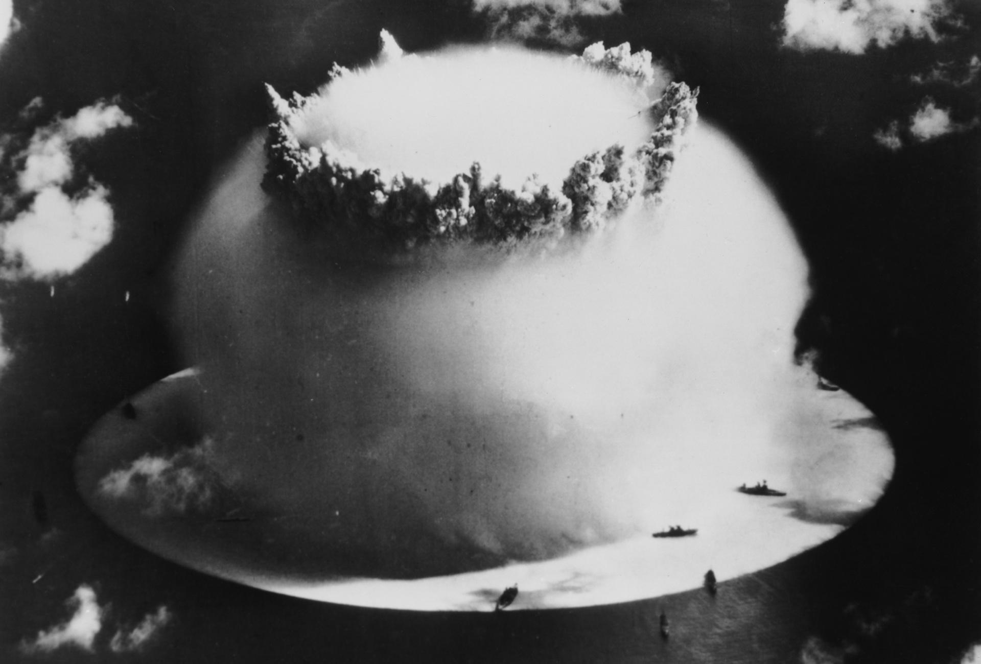 Prueba nuclear en el atolon Bikini 1 -