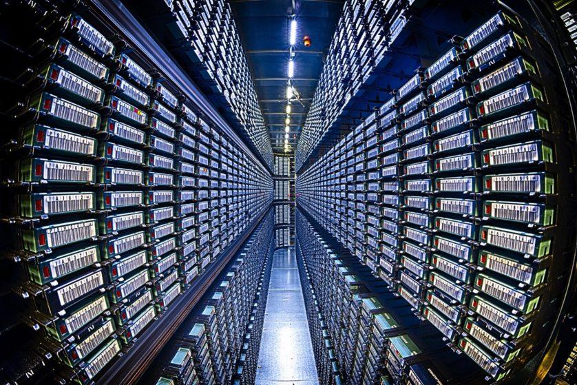 Biblioteca de fitas no Centro de Computação Feynman