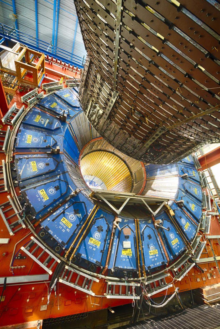 Detector de Colisões do Fermilab, que está sendo desmantelado. Ele é o mais alto colisor de energia de prótons e antiprótons do mundo