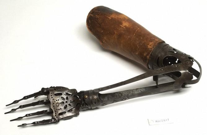 L0037037 Steel hand and forearm and leather upper arm