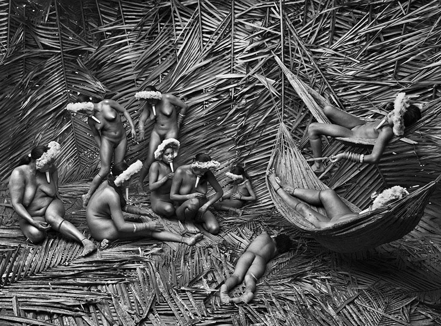 Mulheres da tribo Zo'é no estado do Pará, Brasil (2009)
