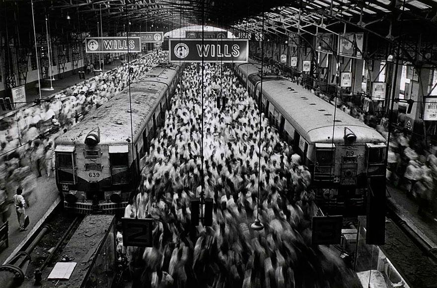 Estação de Churchgate, em Bombaim, na Índia (1995)