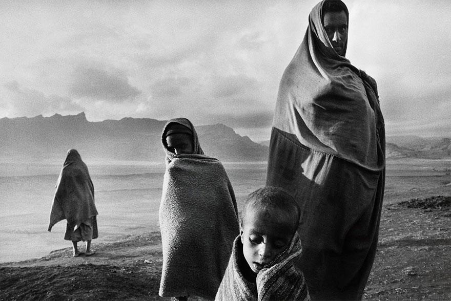 Refugiados no campo de Korem, na Etiópia (1984)