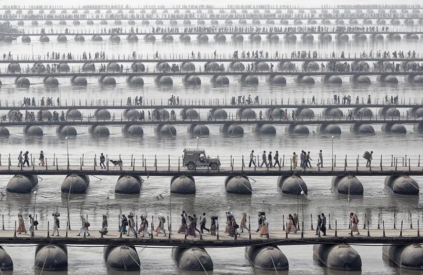 Peregrinos em Maha Kumbh Mela, Índia. De Wolfgang Weinhardt.
