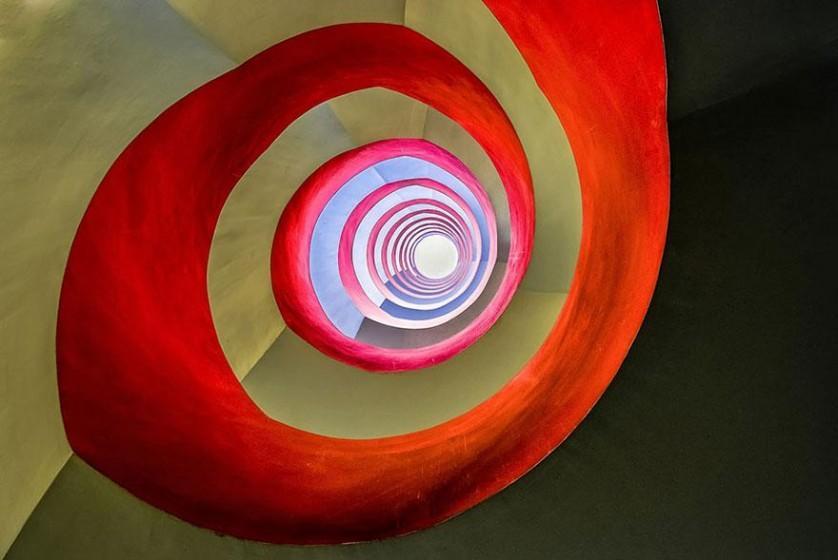 """Categoria arquitetura: """"Sob a escada"""", por Holger Schmidtke, Alemanha"""