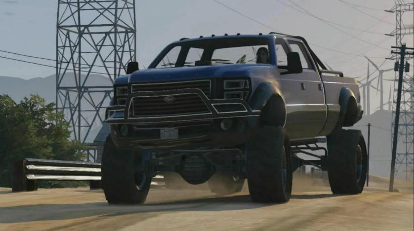 gta-online-gameplay-driving-a-big-truck
