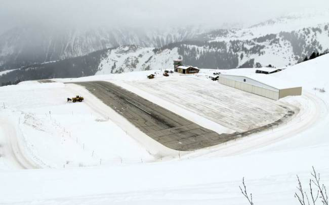 Courchevel  scary airports