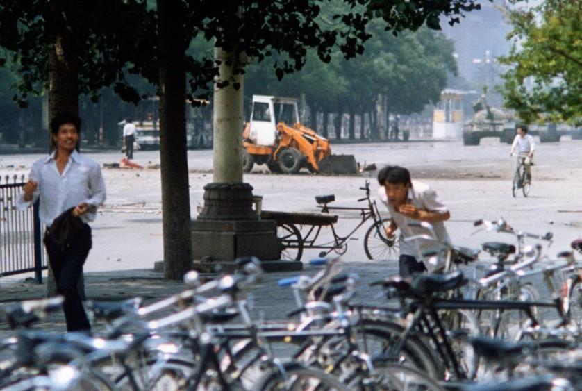 Aqui está uma visão diferente do homem do tanque de Tiananmen Square