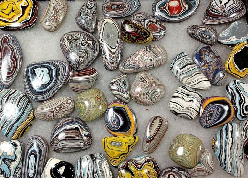 fordite-detroit-agate-car-paint-stone-jewel-7