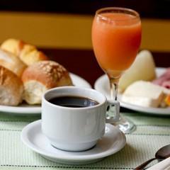 Café da manhã engorda: mito ou realidade?