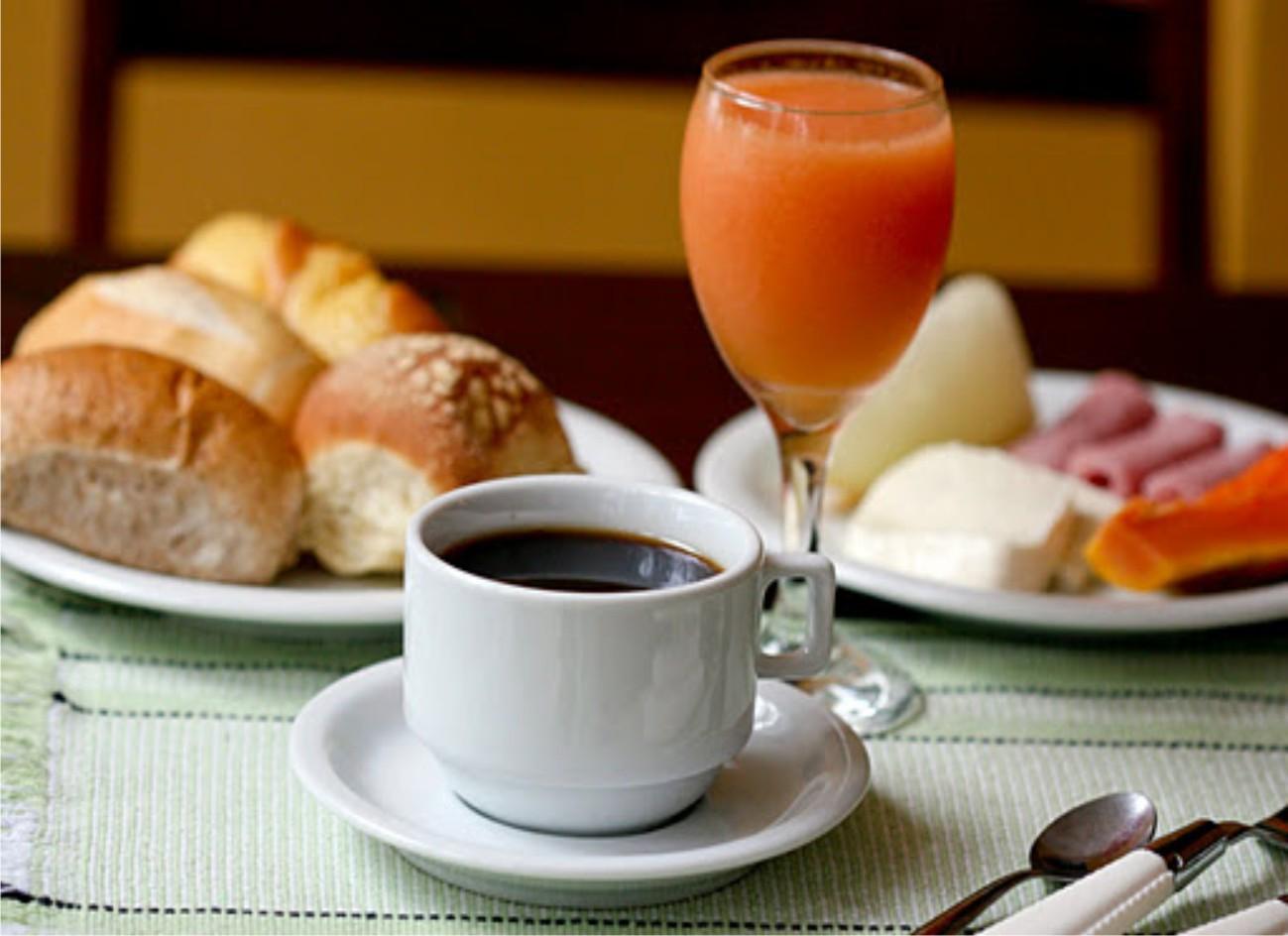 Super Café da manhã engorda: mito ou realidade? PU27