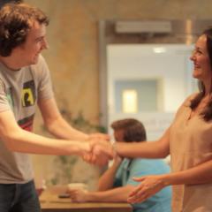 Estudo revela que tipo de parceiros homens e mulheres preferem no primeiro encontro