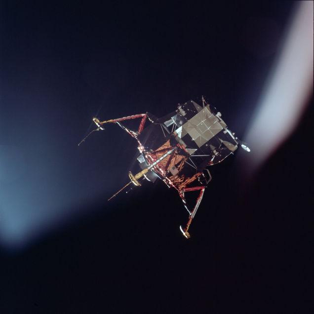 primeiro pouso na lua 14