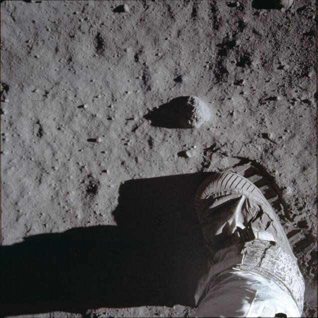 primeiro pouso na lua 21